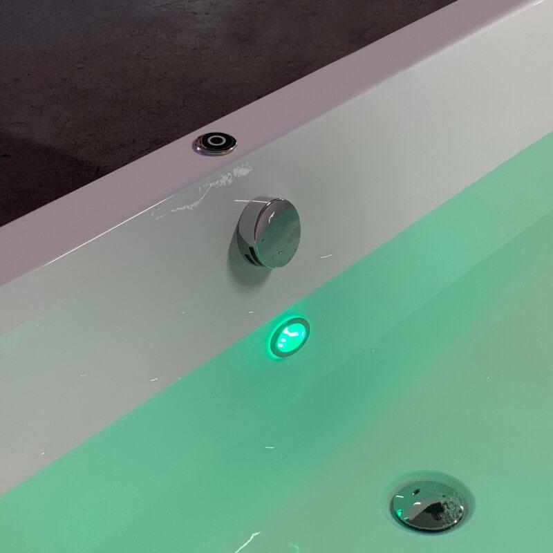 LED-Beleuchtung für Badewanne